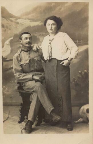 Fotografija iz albuma Pakračanina Luje Šnedorfa poslana za vrijeme njegovog služenja u austrougarskoj vojsci tijekom Prvog svjetskog rata.